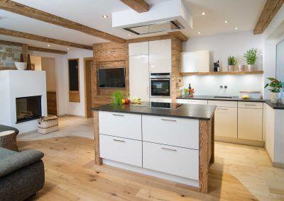 Küche: Wohnatmosphäre im Chalet-Stil