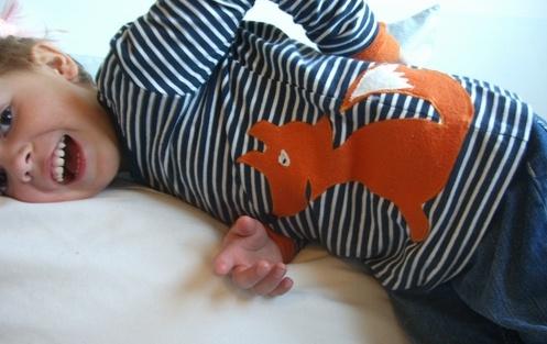 Auch ein Geschenk: Shirt mit Fuchs von Farbenmix