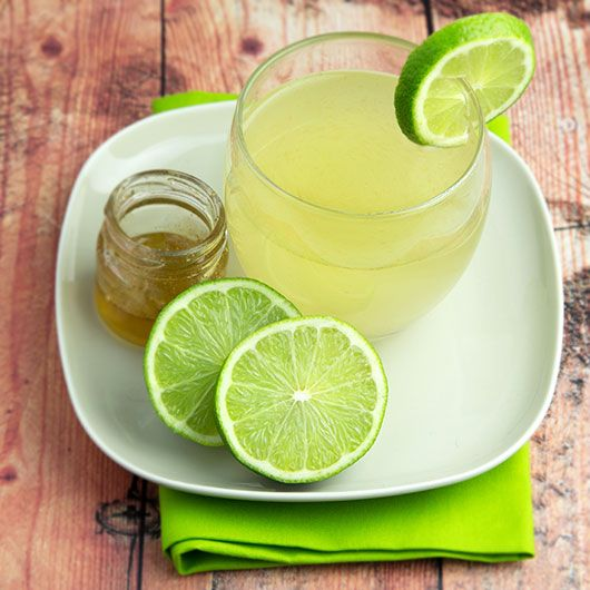 Home remedies for tonsilitis can be useful for speeding up recovery. This lime drink tonsilitis tonic helps to kill off infected cells and provide pain relief.