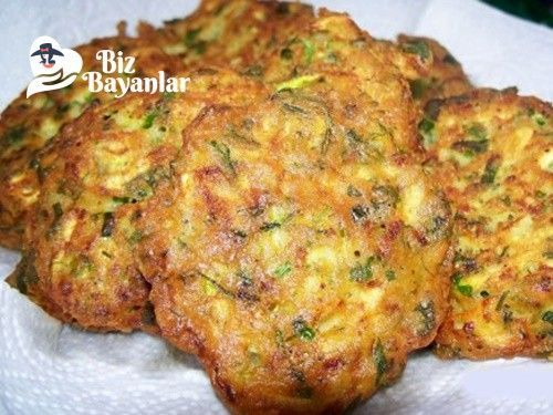 Patates Müjveri Tarifi Bizbayanlar.com  #KaşarPeyniri, #Maydanoz, #Patates, #Un, #Yumurta,#Aperatifler, #KahvaltılıkTarifleri http://bizbayanlar.com/yemek-tarifleri/aperatifler-yemekler/patates-mujveri-tarifi/