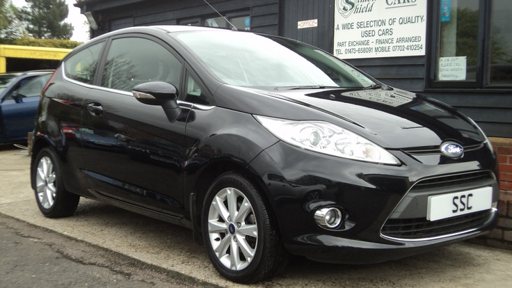FORD Fiesta 1.25 Zetec - don't they look so sleek and funky -  the new shape fiestas.