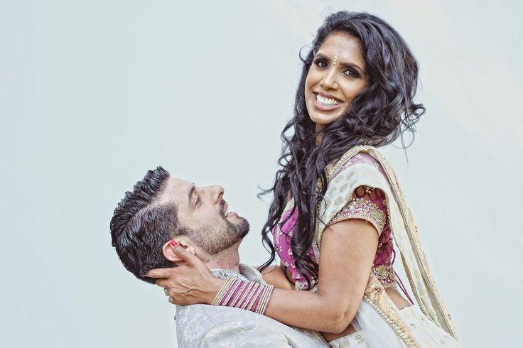 Bollywood Wedding Fotoshooting Köln indisch, traditionell farbenfrohes Hochzeitsshooting auf den Rheinwiesen Köln NRW  #bollywood #weddingshooting #hochzeit #hochzeitsfotografie #hochzeitsfotograf #ruelkestudios