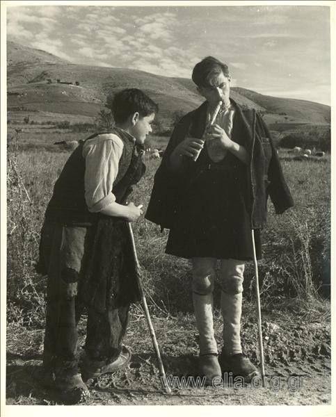 Dmitri Kessel.Νεαροί βοσκοί Αθήνα 1944