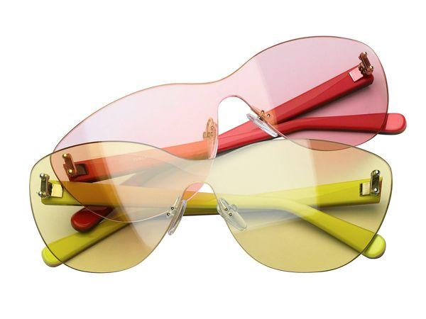 Giochi di luce per gli occhiali Furla  http://www.sfilate.it/176298/giochi-di-luce-per-gli-occhiali-furla  E' colorata e luminosa la tendenza Spring-Summer 2013 che accende di note vivaci la collezione di occhiali Furla.  Il punto di partenza è la luce, una luce che coglie l'essenza delle cose, capace di catturare atmosfere e regalare emozioni.