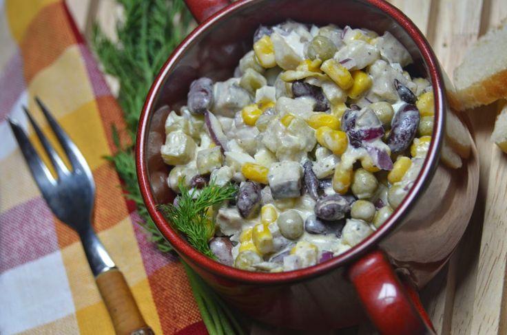 Apetyczna babeczka: Sałatka śledziowa z warzywami