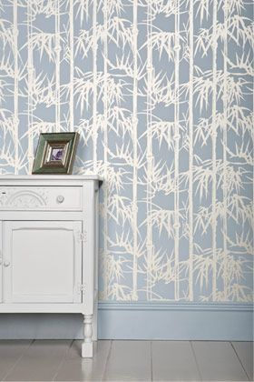 Farrow & Ball as a two-colour block-printed collection, available in thirty exquisite colour combinations and in two pattern sizes. #Farrow&Ball #Wallpaper #RingsEnd