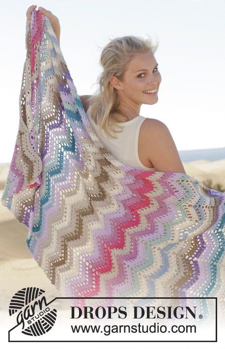 "Crochet DROPS blanket with zig-zag pattern in ""Cotton Light"". ~ DROPS Design"