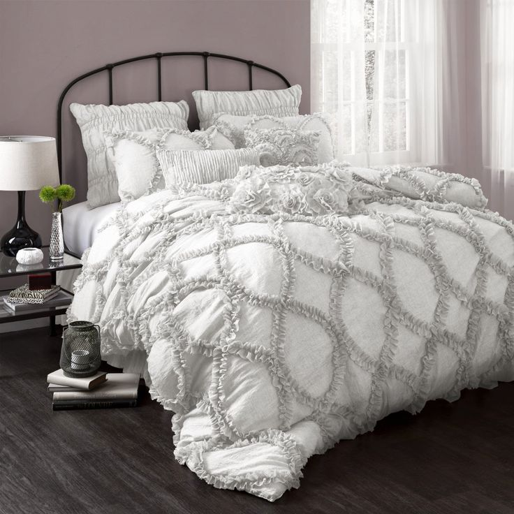 25+ Best Ideas About Down Comforter Bedding On Pinterest
