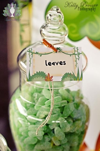Love this for favours, but do we want sticky 2-year old fingers in the sweetie jar? :)