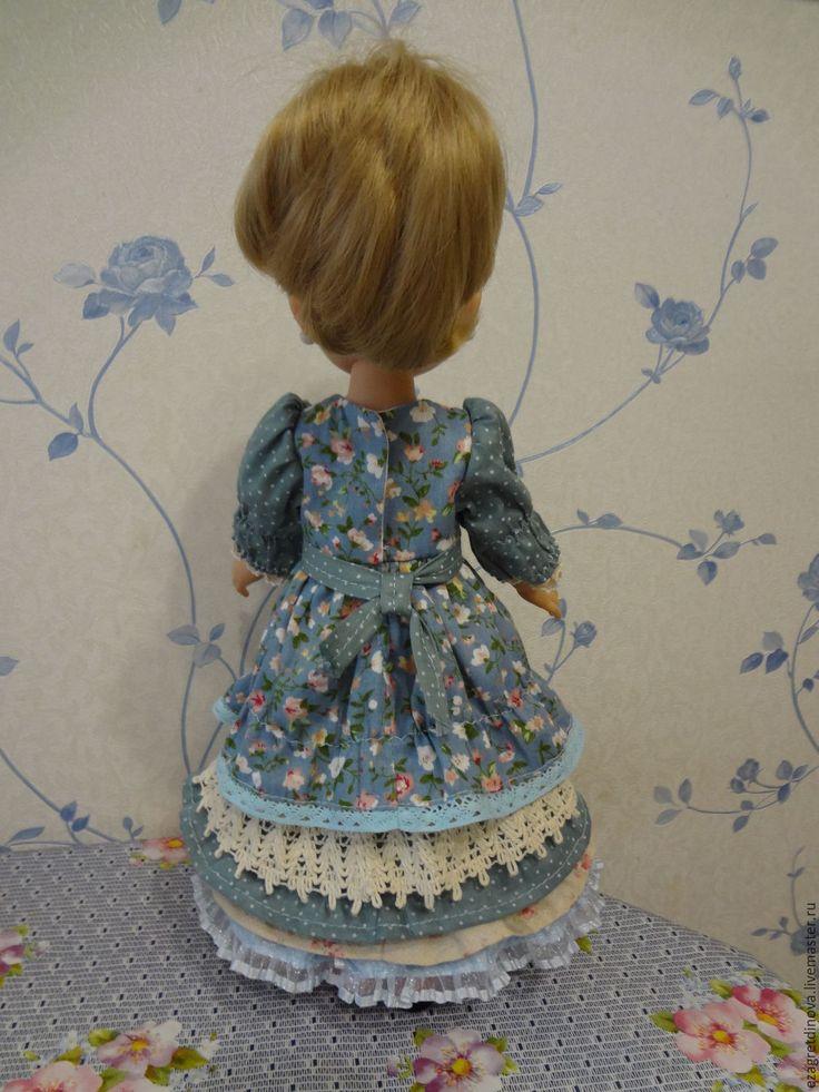 Купить или заказать Платье для куклы Paola Reina 32-34 см В стиле Прованс-3! в интернет-магазине на Ярмарке Мастеров. Шикарное платье для кукол Paola Reina 32-34 см и им подобных. Платье выполнено из плотного 100 % хлопка и кружев. Застегивается на спинке на миниатюрные кнопочки. Все швы обработаны. Кукла и обувь в комплект не входят. Одежда подходит для кукол Паола Рейна и аналогичных. На фото кукла ростом 34 см. В комплект входят: Пышное платье из натурального 100% хлопка, кружев.