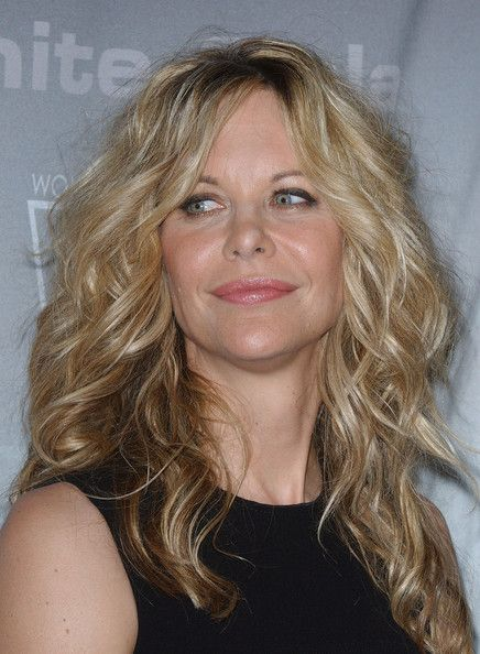 Meg Ryan Long Curls - Actress Meg Ryan showed off her voluminous curls while hitting the Crystal and Lucy Awards.