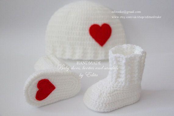 Вязание крючком Детские пинетки и шляпа набор, детская обувь, ботинки, носки, шапочка, красный, белый, сердце, Рождество, Санта, Размер 0-3 мес, подарок, душа ребенка
