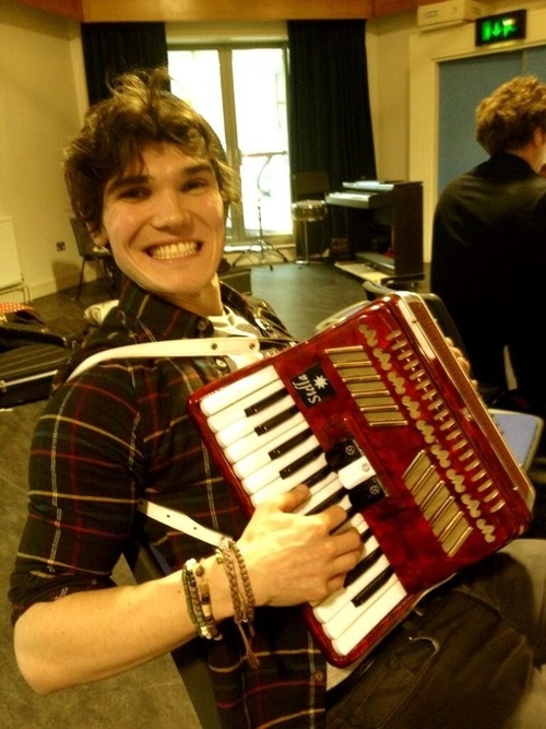 Wait, wait, wait, wait, wait.  Fra Fee...can play the accordion?  How does he keep becoming MORE adorable?  Seriously, Fra, can you not?