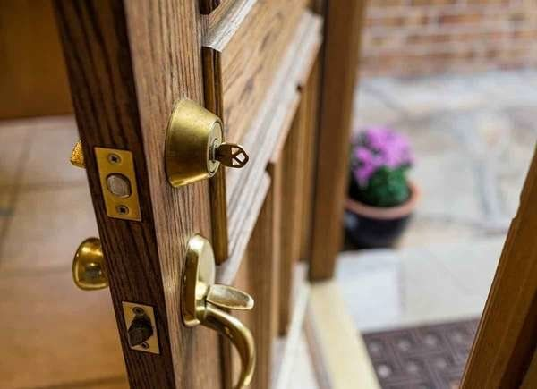 Just Moved In 11 Things To Do Right Away Front Door Handles