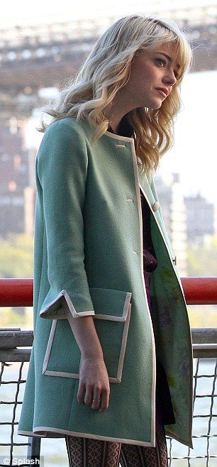 Not sure how I feel about this coat, but  I do like a great statement coat.