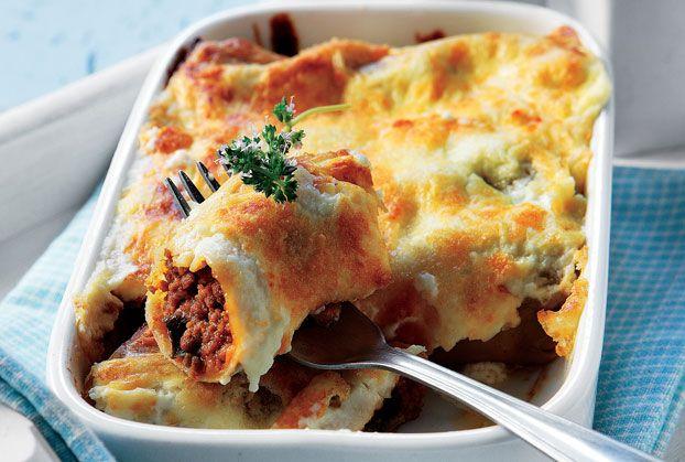 Κανελόνια µε κιµά, µελιτζάνα και σάλτσα κρέμας τυριού