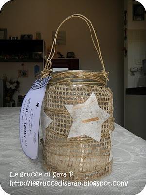 Lanterna con tessuto di juta e stelle di carta di riso