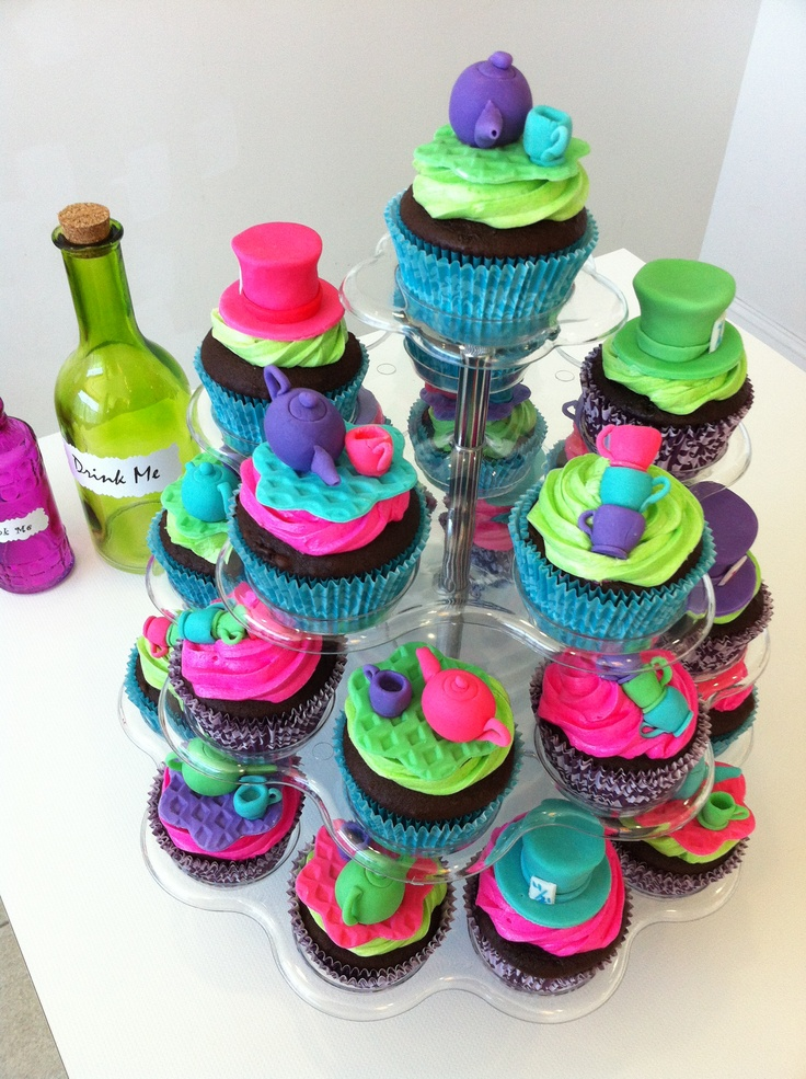 mad hatter cupcakes - photo #21