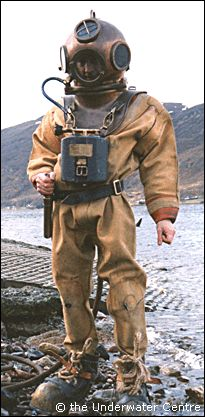 Old fashioned diving gear 100