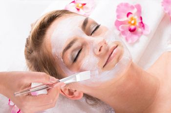Toronto Aesthetics and Hair Academy offers a #Chemical #Peels #Course in #Toronto.Students will be exposed to Chemical Peel methods and procedure #chemicalpeelcoursetoronto #PeelcoursesToronto #courses