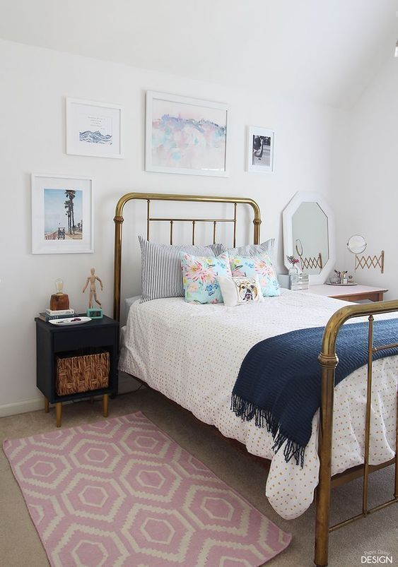 Modern vintage teen bedroom cute decor for girls. Pick one cute bedroom style for teen girls, more DIY Dream Castle bedroom ideas will be shown in the gallery and get inspired! #BeddingIdeasForTeenGirls #teengirlbedroomideasvintage #bedroomdecoratingideasforteengirls