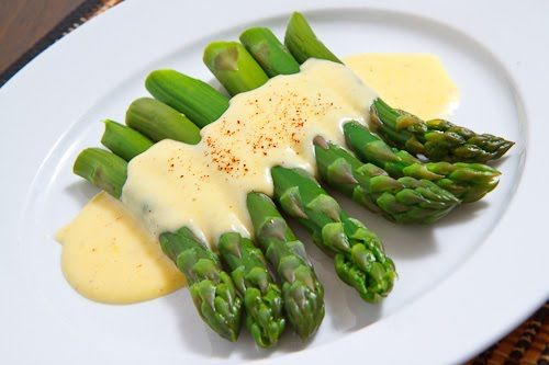 Dad could make a wicked Hollandaise sauce. Had some broccoli and asparagus with hs at Ruth Chris in Waikiki.  Thanks dad for adding such yummy calories to my taste buds.