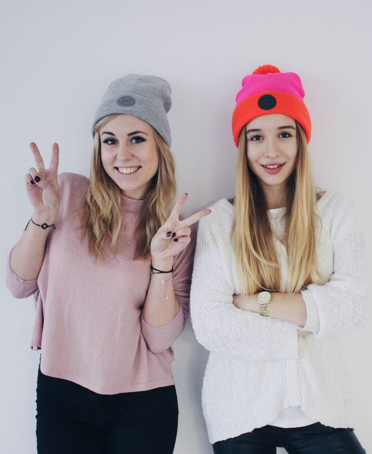 Gorgeous girls in #colorshake pink and grey beanies