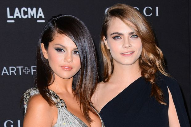 Selena Gomez Would Rather Have You Think She's Dating Cara Delevingne Than Justin Bieber