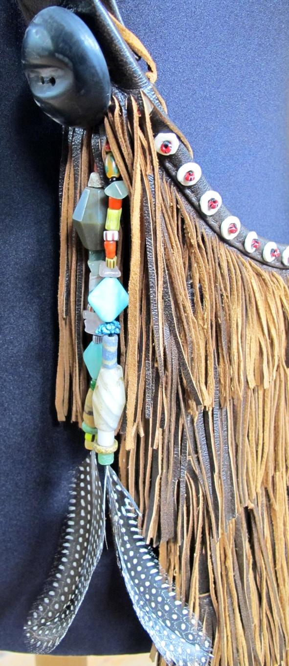 Reliquias de estilo clásico pero con elementos tribales que combinan bien con el guardarropa de una mujer sofisticada by Anna Trzebinski