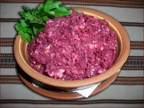 Салат из свеклы в курицей