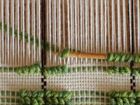 Photo tutorial. Weaving pibiones (Sardinian for grapes).