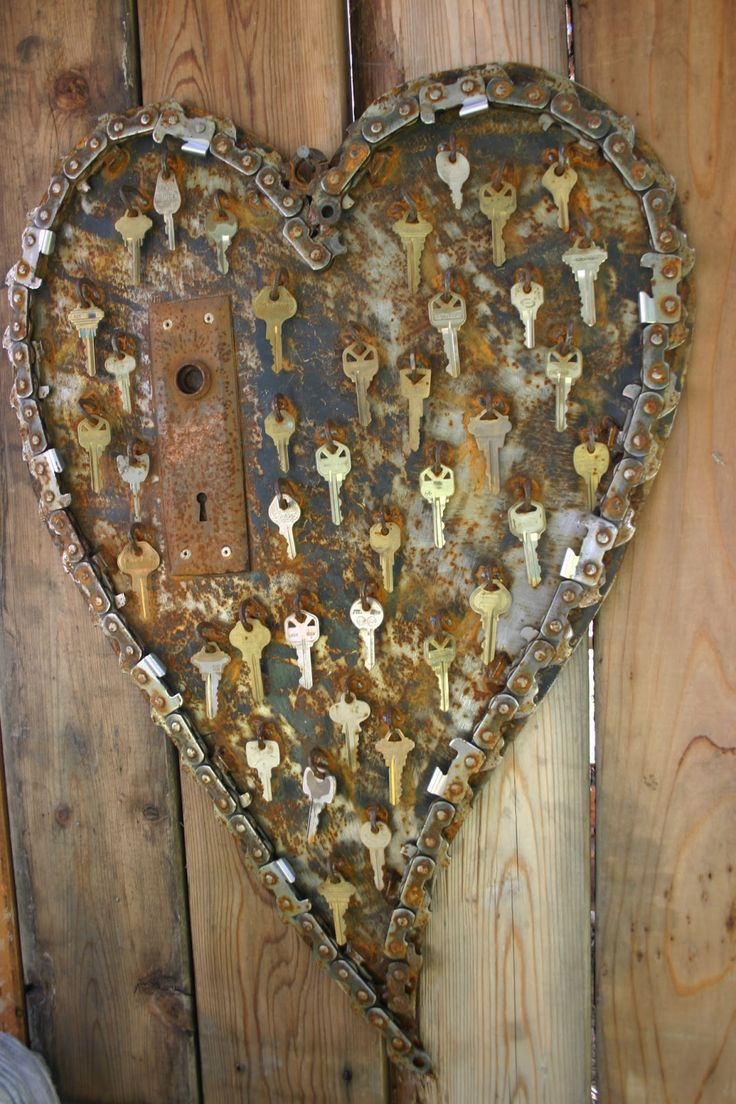 key-to-my-heart door decoration with old door lock - Yard Art Ideas | Kathi's Garden Art Rust-n-Stuff