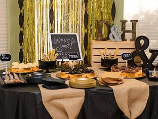 Engagement Party Help - Whether it's a small get together with family, a backyard barbeque party or a huge celebration, there are few things to remember about an Engagement Party regardless of size!