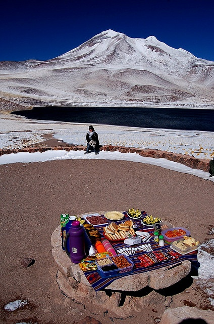 WAW I WANT THAT! LUNCH IN THE MOUNTAINS!!!