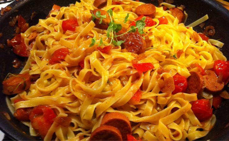 Pasta alla puttanesca. | Jävligt gott - en blogg om vegetarisk mat och vegetariska recept för alla, lagad enkelt och jävligt gott.