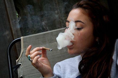 ¿La marihuana causa daños colaterales en tu cerebro?
