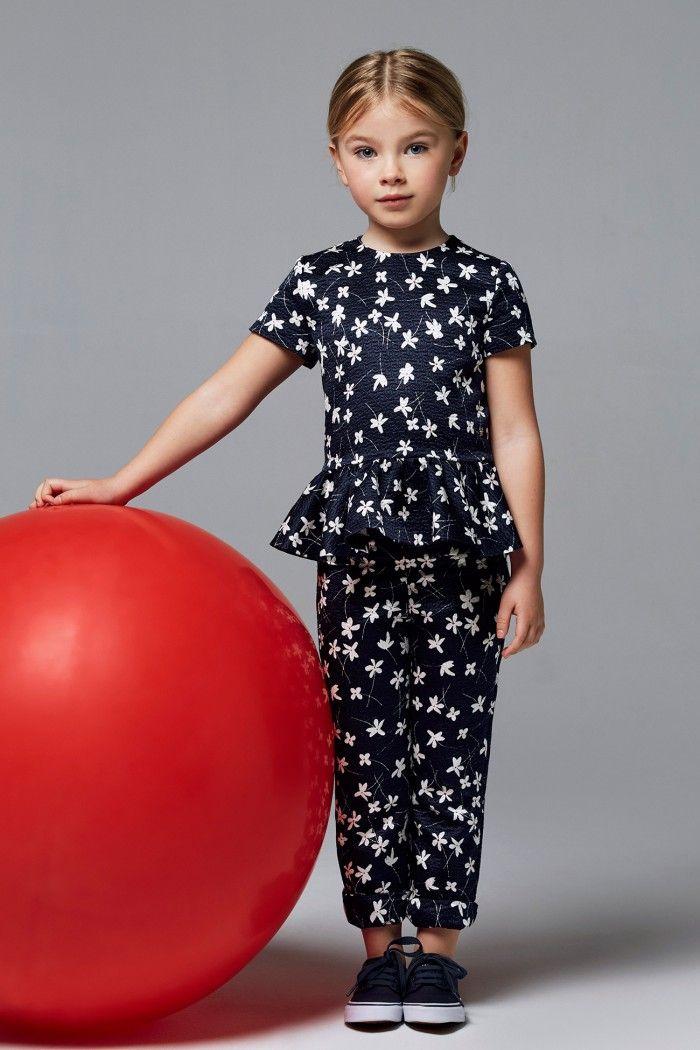 Carolina Herrera cute outfit.