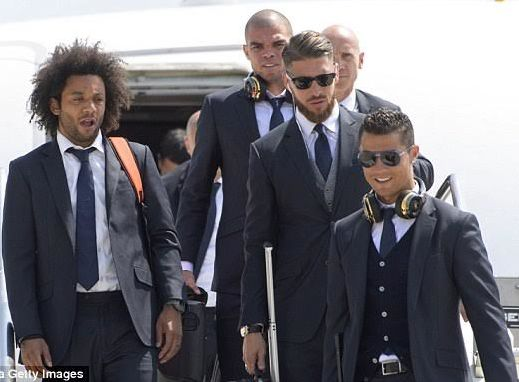 9jahub » Forum | Real Madrid players look stunning in suits as they jet into Italy ahead of Champions League final tomorrow (photos)