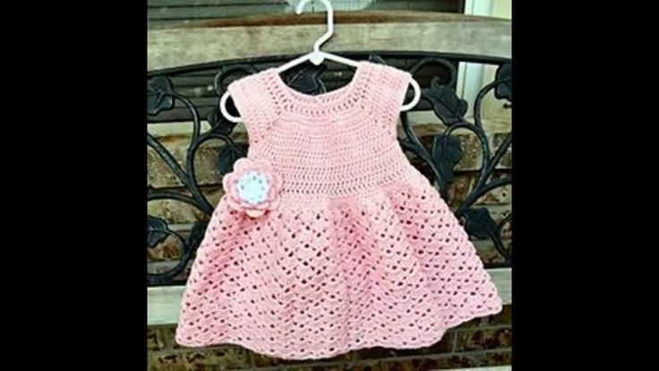 Vestidos de bebé de ganchillo. Crochet baby dress.