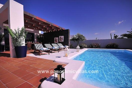 Villa CA033 in Playa Blanca, 2 Bed Holiday Villa