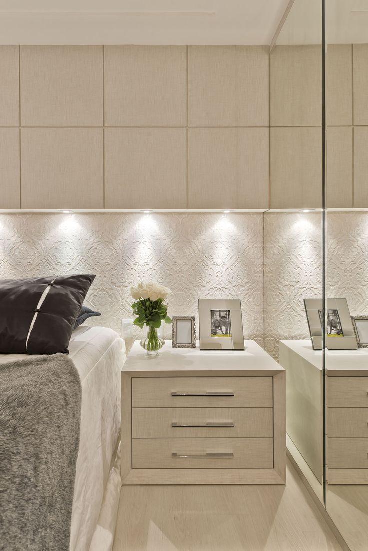 Suíte pequena com decor contemporâneo e cores claras texturizadas!