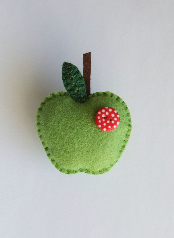 Apple brooch. Felt brooch/pin green apple with a by jammypudding