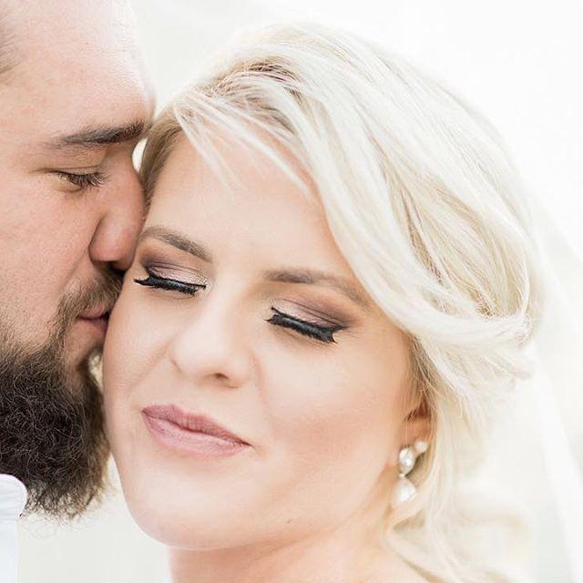 When you love what you have, you have everything you need. . #muah @marikenel from @to.be.hair_makeup . . #DavishPhotography #SophisticatedSimplicity #SouthAfrica #lifestylephotographer #weddingphotographer #portraitphotographer #lifestyle #bridestyle #naturallightphotographer #naturallight #brideinspo #iamnikon #weddingfriends #prettyweddings #prettysessions #wedding #saweddings #weddingblog #weddingphotography #bridalinspiration #newlyweds #realwedding #weddinginspiration #wereofficial…