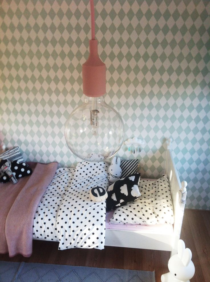 Muuto - E27 pendant lamp +Wallpaper FERMliving http://decdesignecasa.blogspot.it
