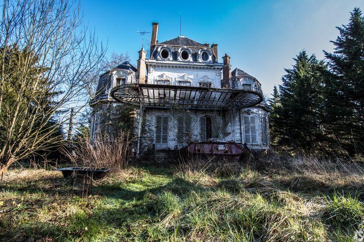 Manoir abandonné en région parisienne