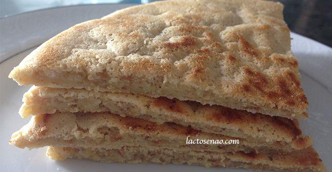 Receita de pão fácil sem glúten e sem lactose. Super versátil e prática, dá pra ser massa de pizza, torradas, pão sírio, crepe, pão doce, sanduíche. Vem ver!