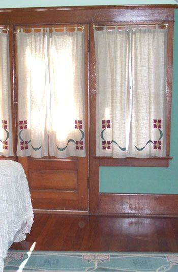 Curtain Rod Example For Arts And Crafts Style Curtains 41st St Ideas Pinterest Craftsman