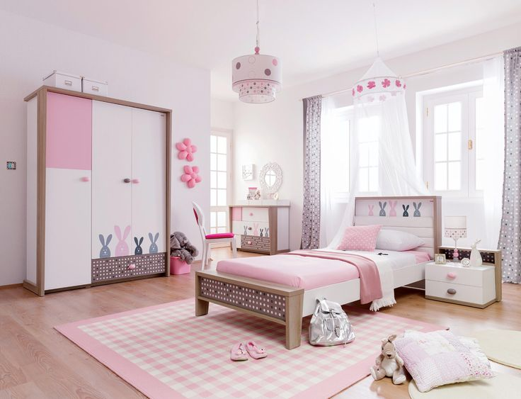 детская в розовом цвете