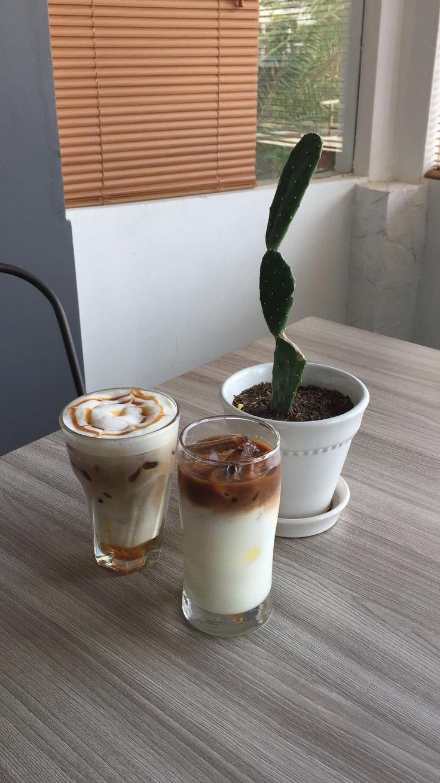 Pin oleh 𝓛𝓲𝓸𝓻𝓪 𝓩𝓪𝓻𝓯𝓪 di caffe. (Dengan gambar) Makanan