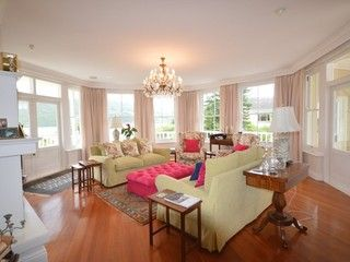 6 Bedroom House For Sale in Leisure Isle